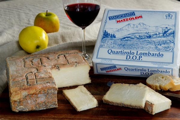 Quartirolo Lombardo Cheese P.D.O.