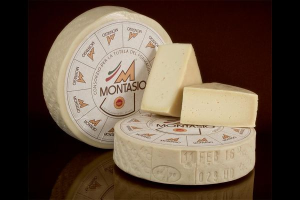 Montasio Cheese P.D.O.