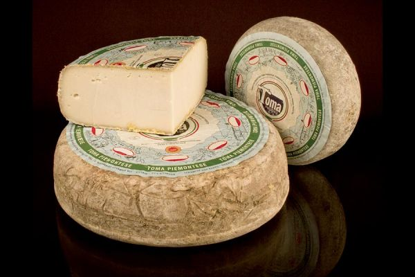Toma Piemontese Cheese P.D.O.